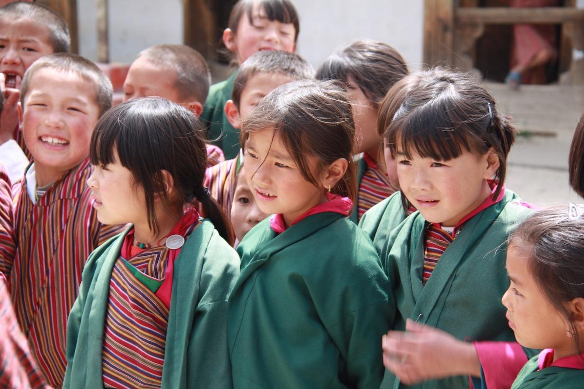 Treks in Bhutan: The Owl Trek-Vila de Dhur