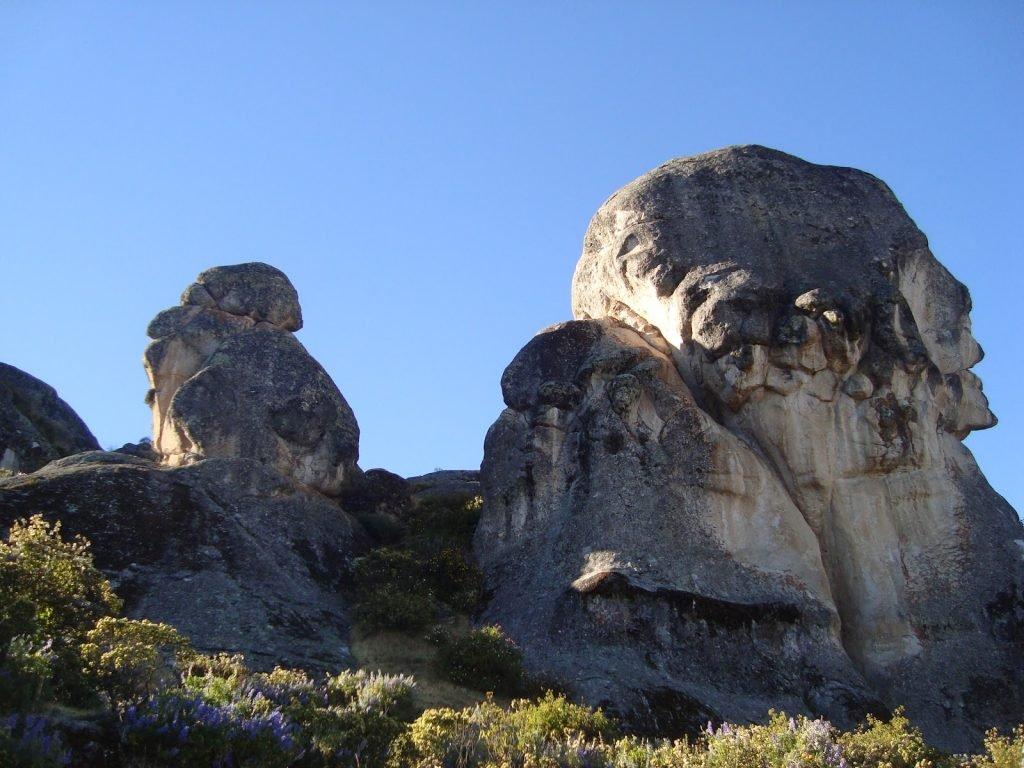 Uma das formações de Marcahuasi, o Monumento à humanidade - Foto: Wikimedia Commons