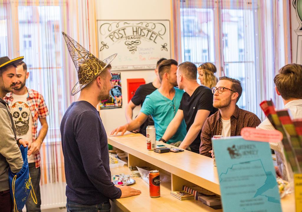 Work Exchange na recepção de hostels, por exemplo, acelera o aprendizado de idiomas
