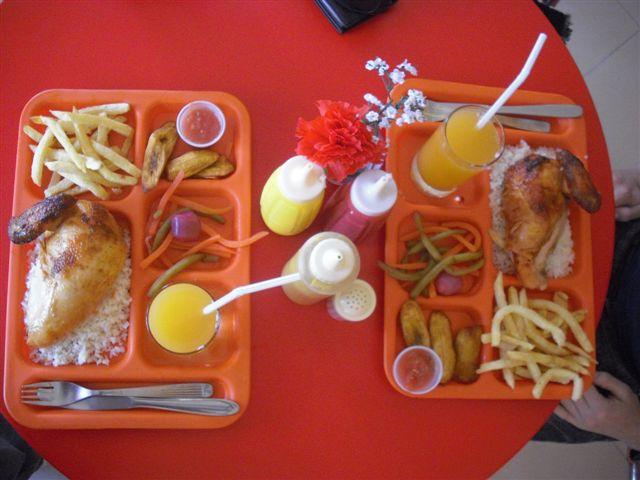 Almoço frango Bolívia