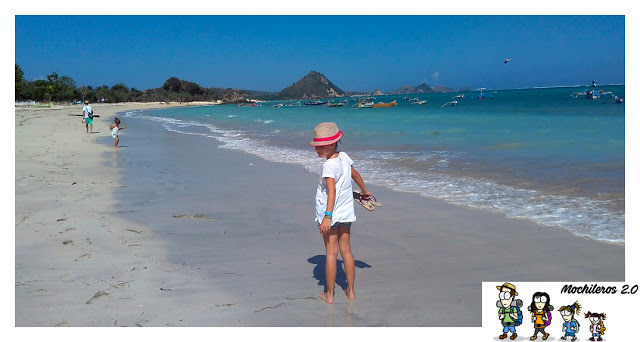 recorriendo-playa-kuta-lombok