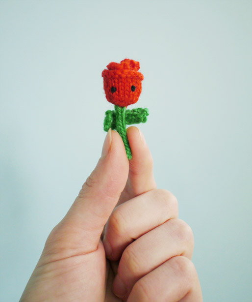 Free #knitting pattern \\ Tiny Rose \\ http://ow.ly/Y0Bau #valentinesday