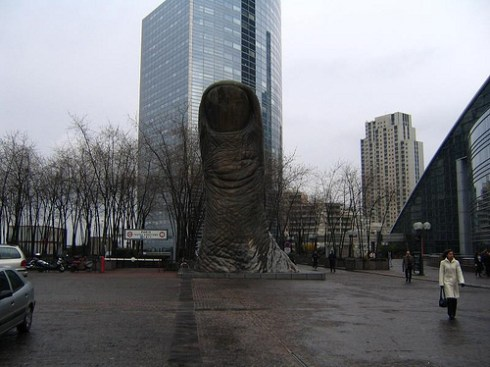 unusual statues around the world