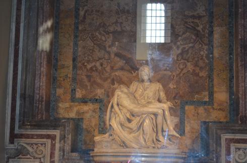 Rome_St._Peter's_Basilica_Vatican_City_Pieta