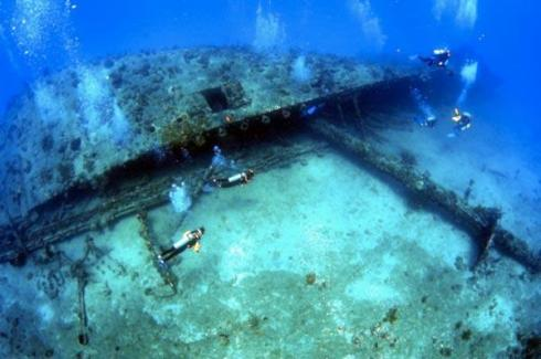 RMS Rhone shipwreck , Salt Island, British Virgin Islands