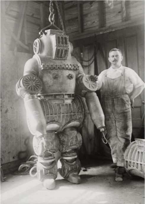 strange old timey inventions, diving suit