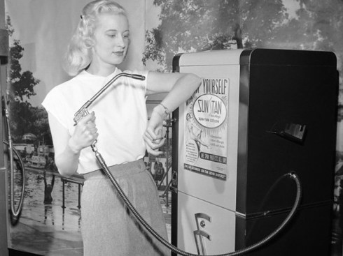 the-most-bizarre-old-timey-inventions-tanning-machine