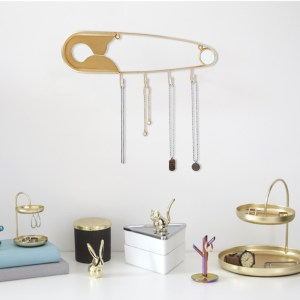 Safety Pin Decorative Metal Wall Hook for Hanging