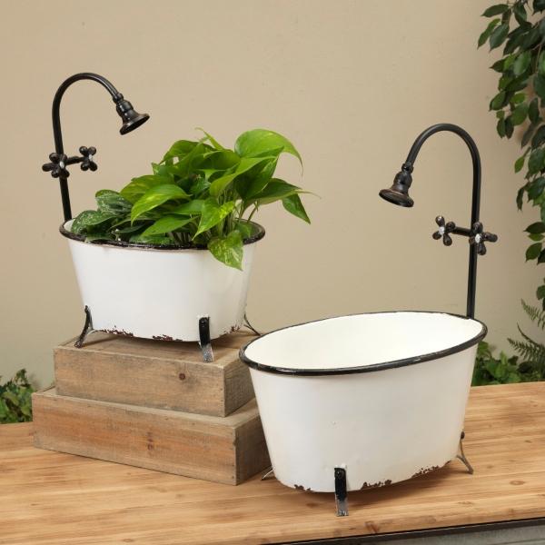 Garden Decor - Antique Metal Bathtub Planters