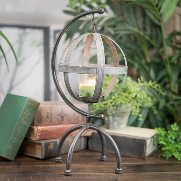 Statues & Figurines - Metal Globe with Hanger Statue