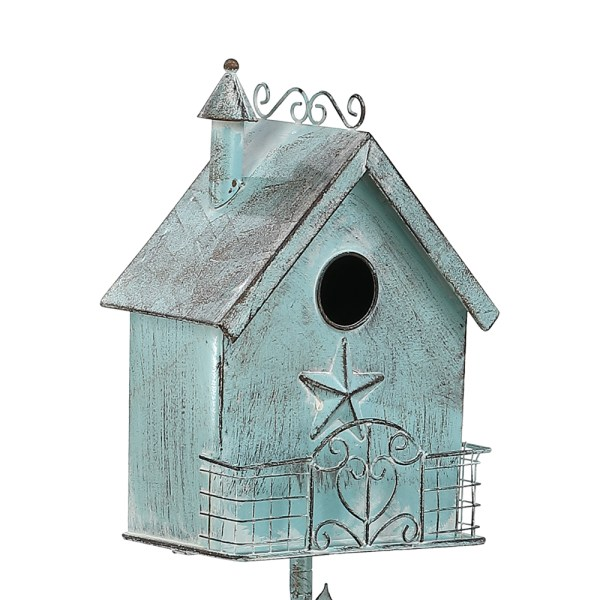Outdoor Birdhouses on Pole