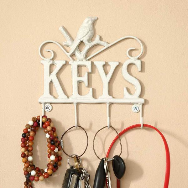 Modern White Animal Key Holder Real shot 1