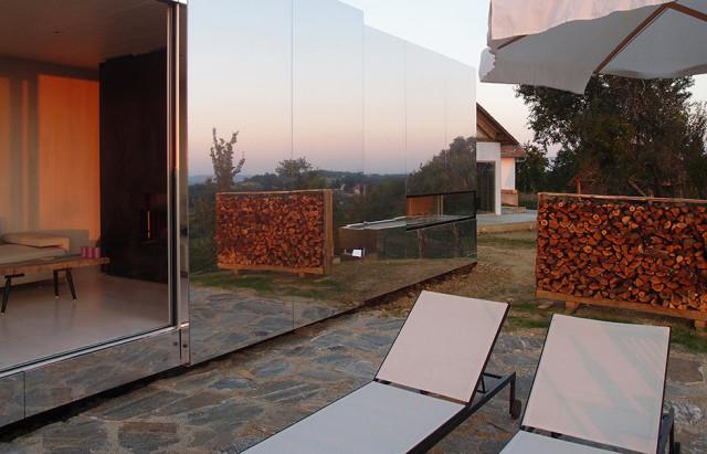 La casa invisibile a specchio - progetto dello studio Delugan Meissl Associated Architechts.