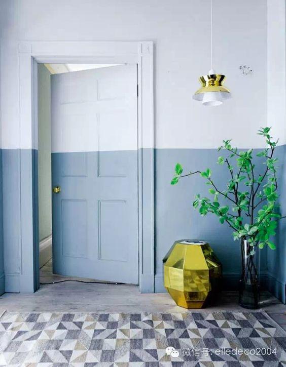 Elle Decor, ingresso con parete bicolore.