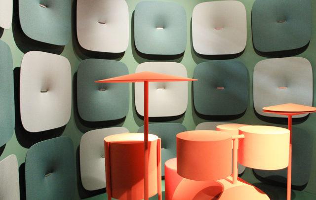 Pedrali al Salone del Mobile 2017 - panello fonoassorbenti colore verde.
