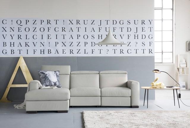 idee originali per decorare le pareti: fascia con lettere o carta da parati a fascia.