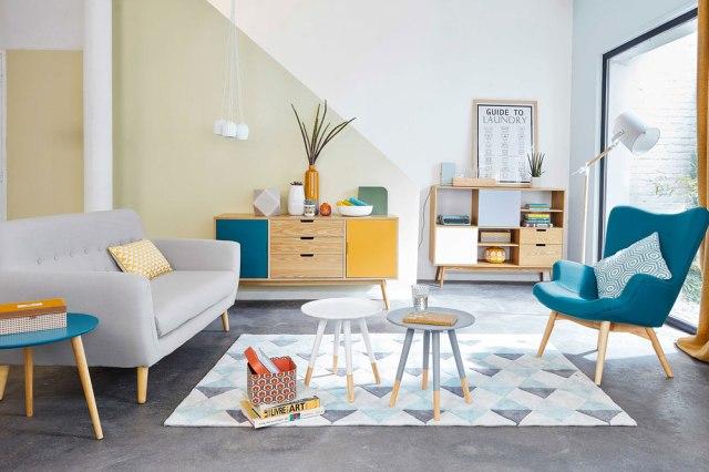 Quanti e quali cuscini mettere sul divano modaearredamento for Arredamento moderno colorato