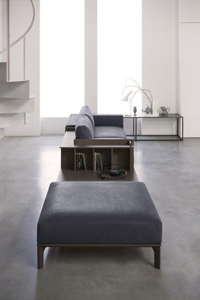 Plain interioris - leather sofa