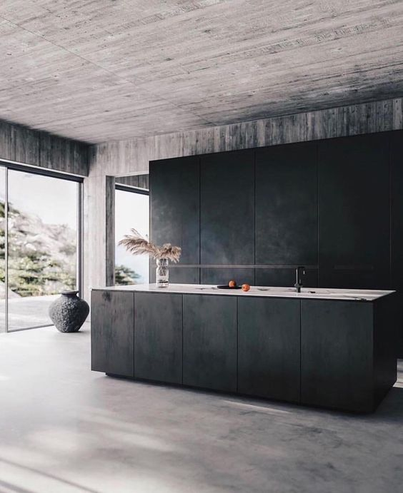 Plain interioris - dark kitchen