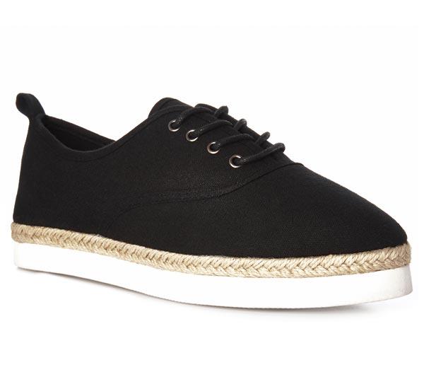 Zapatillas: 11 euros
