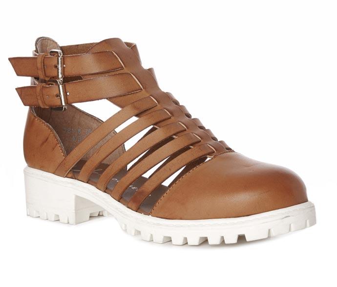 zapatos: 22 euros