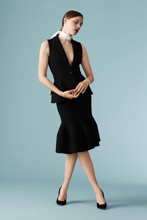 334cecd792 Si quieres saber más colecciones, novedades, campañas y toda la actualidad  de la firma de moda Carolina Herrera tenemos una sección para ti, haz click  aquí ...