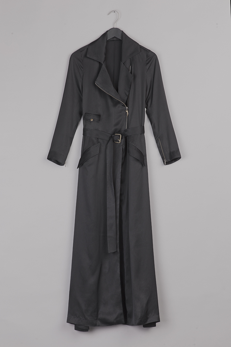Black trench by Common Raven on www.modagrid.com