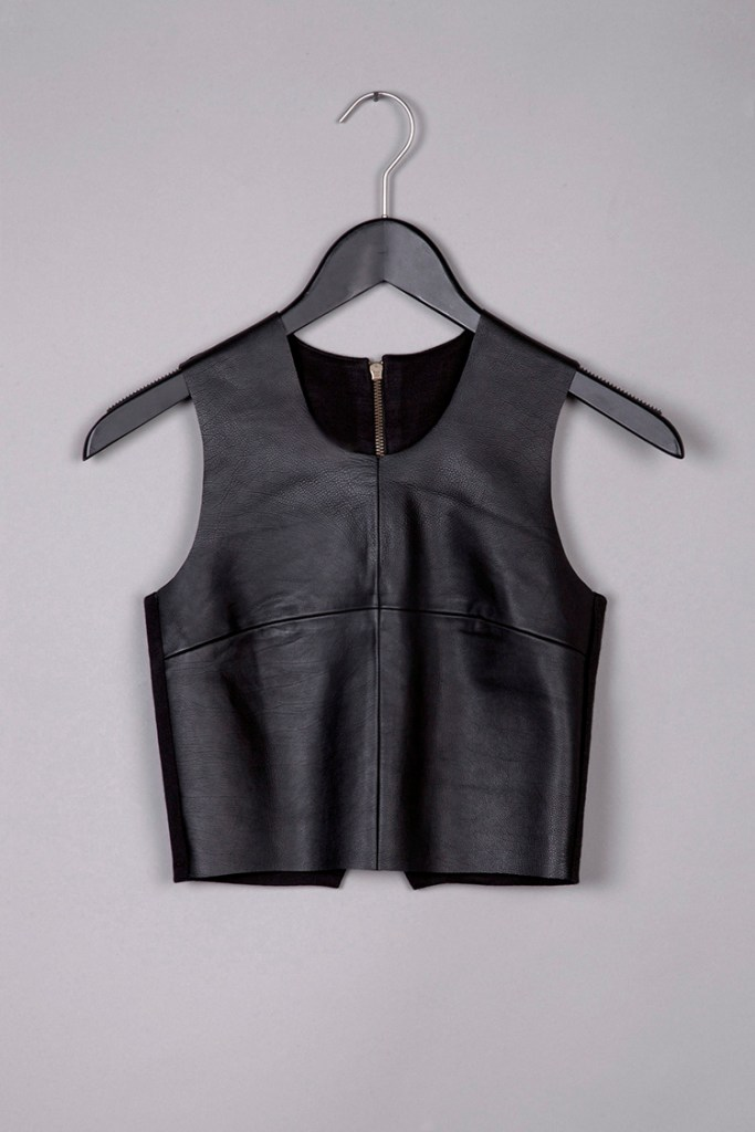 Black leather cropped top by Common raven on www.modagrid.com