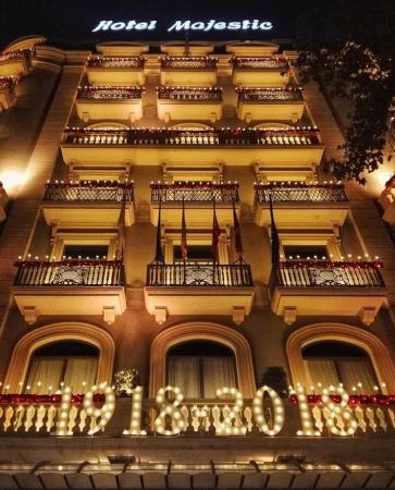 barcelona shopping night