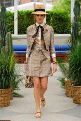 Louis_Vuitton_Cruise_2011_MAIN