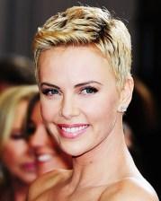 oscars-hair-makeup-charlize-theron-