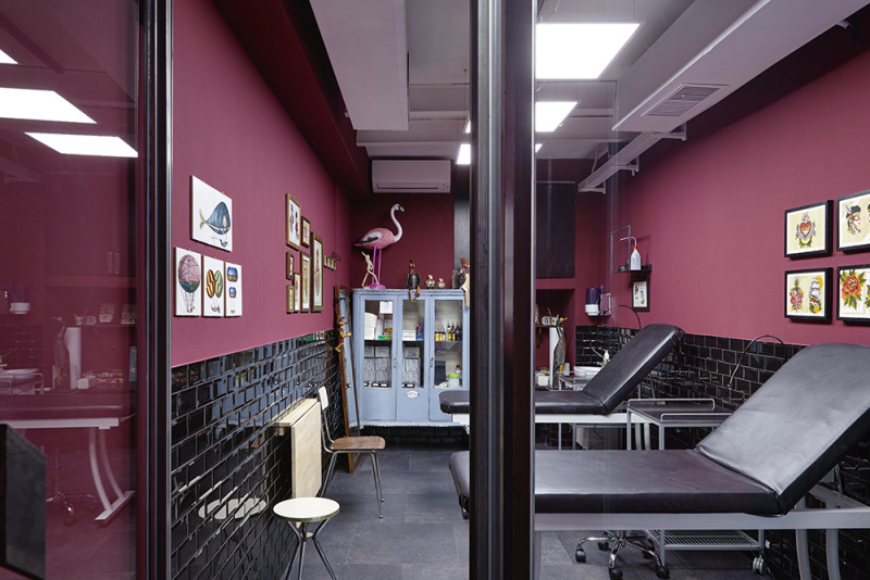 ROOTS MILANO  tattoo shop  hair dresser