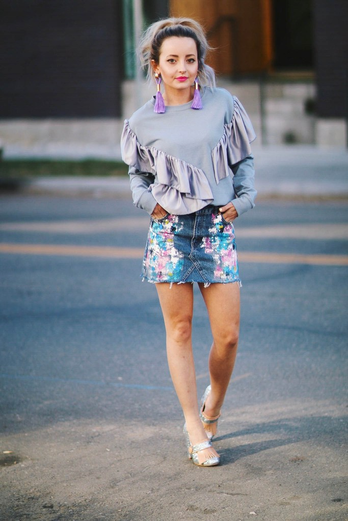 Alena Gidenko of modaprints.com styles a fun mini painted denim skirt from TopShop