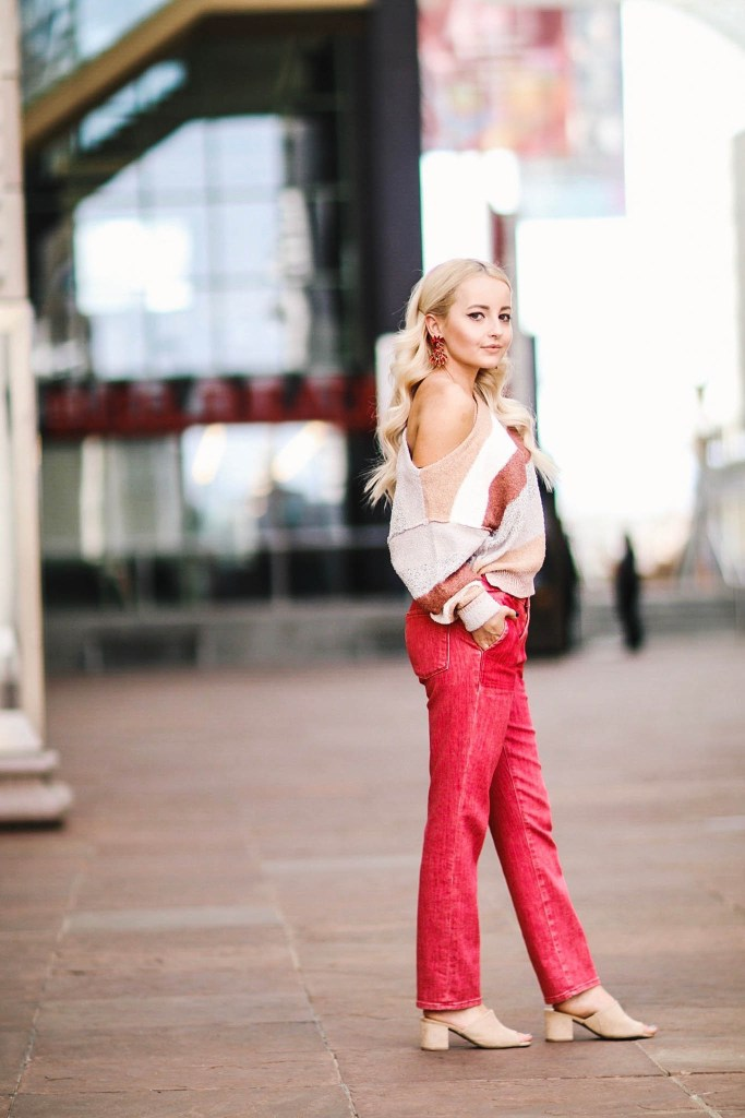 Alena Gidenko of modaprints.com shares tips on styling red jeans and her favorite boutique in Denver, CO