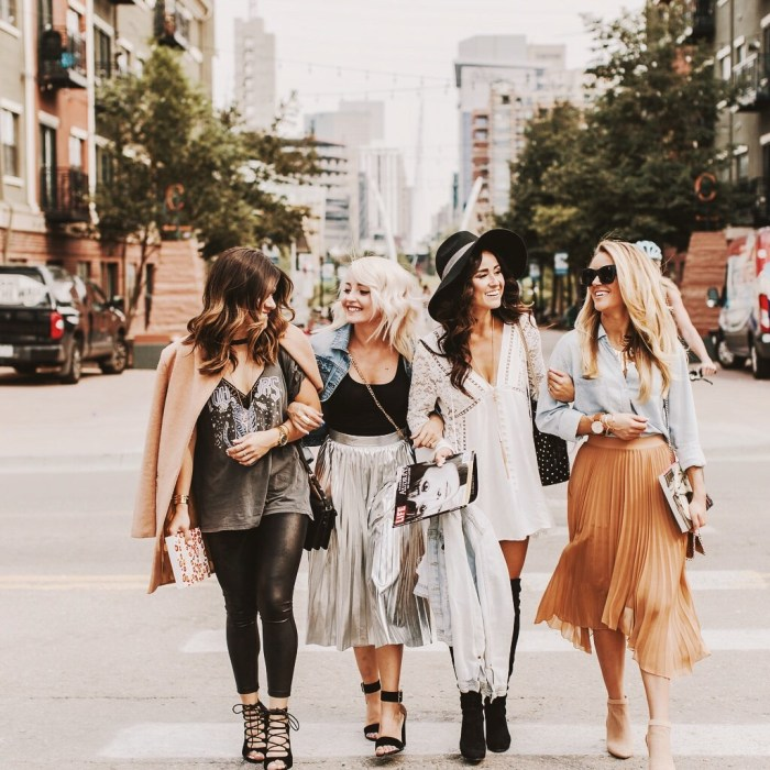 Alena Gidenko of modaprints.com shares a very special post with 4 girlfriends and losing a very close friend to cancer!