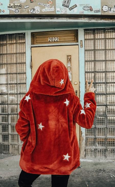 Alena Gidenko of modaprints.com shares her favorite cozy star coat