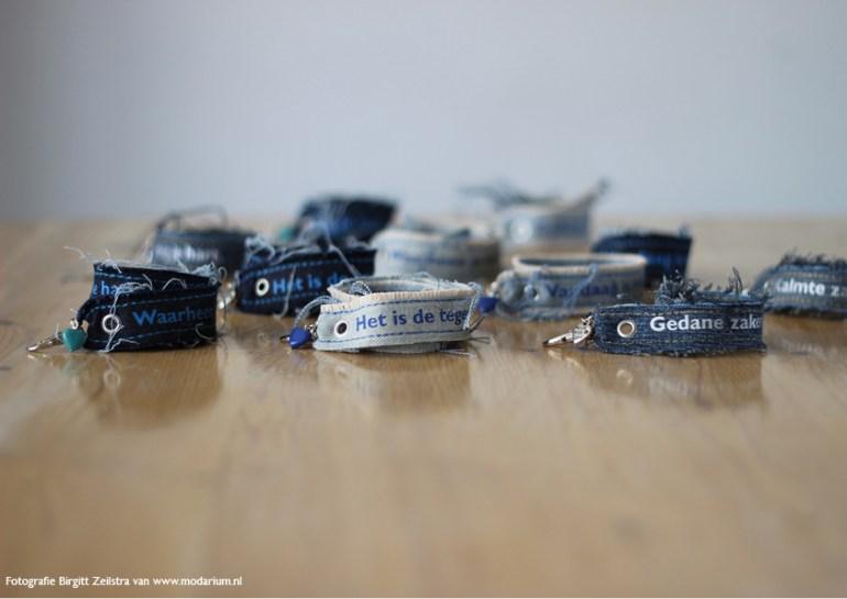 afbeelding Modarium moodboard Big Blue Denim 10 met Modiste wensarmbandjes in Big Blue Denim lijn