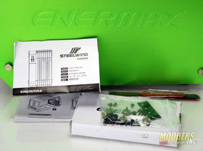 enermax-steelwing-included-box