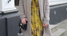 Gul kimono og gråvejr