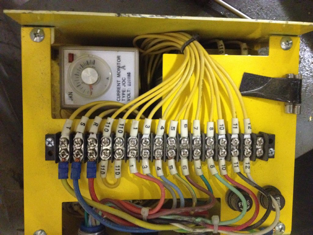 hight resolution of this yellow box goes to the spindle motor