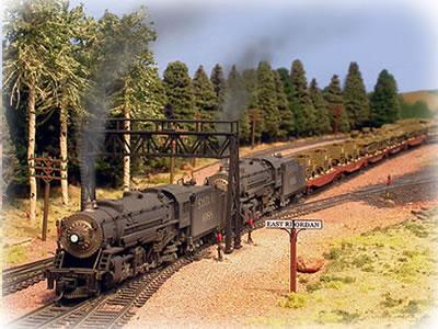 https://i0.wp.com/www.model-train-help.com/images/vniner-military-train-medsmallblur.jpg