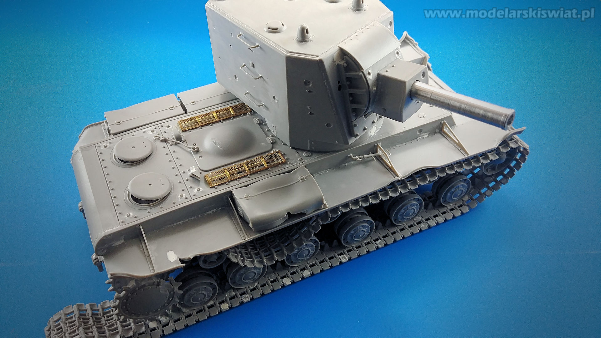 Gotowy model czołgu KW-2 Big Turret w skali 1/35