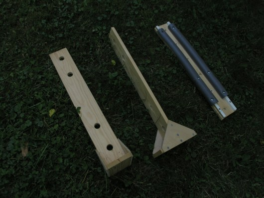 Different supports, 2pcs of wing support (A) and strange fuselage support, type C.