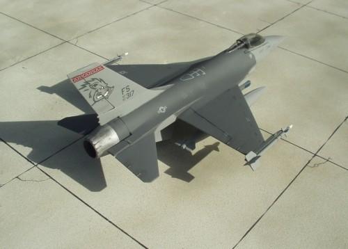 F-16Cpod 2