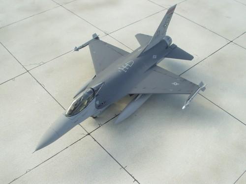 F-16Cpod 5
