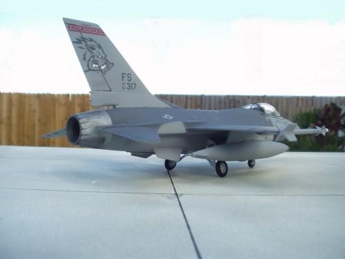 F-16Cpod 7