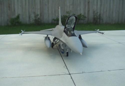 F-16Cpod 8