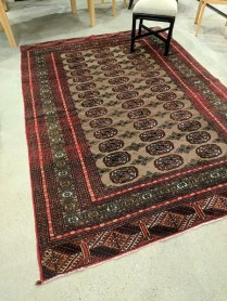 **ITEM NOW SOLD**Bokhara Area Rug. 100% wool pile. Made in Pakistan. 650.-