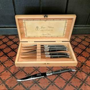 Set of six Laguiole steak knives in presentation box. (black handles). 81.- set.
