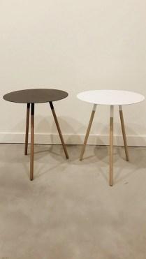 Plain Side Tables. Black or White. 65.-